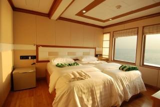 A twin room on MV Virgo (image courtesy of Emperor Maldives)