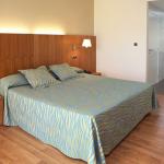 hotel-nautic-fergus-double-bedroom