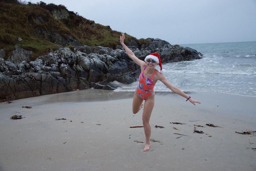 Open water swimming Christmas - SwimQuest