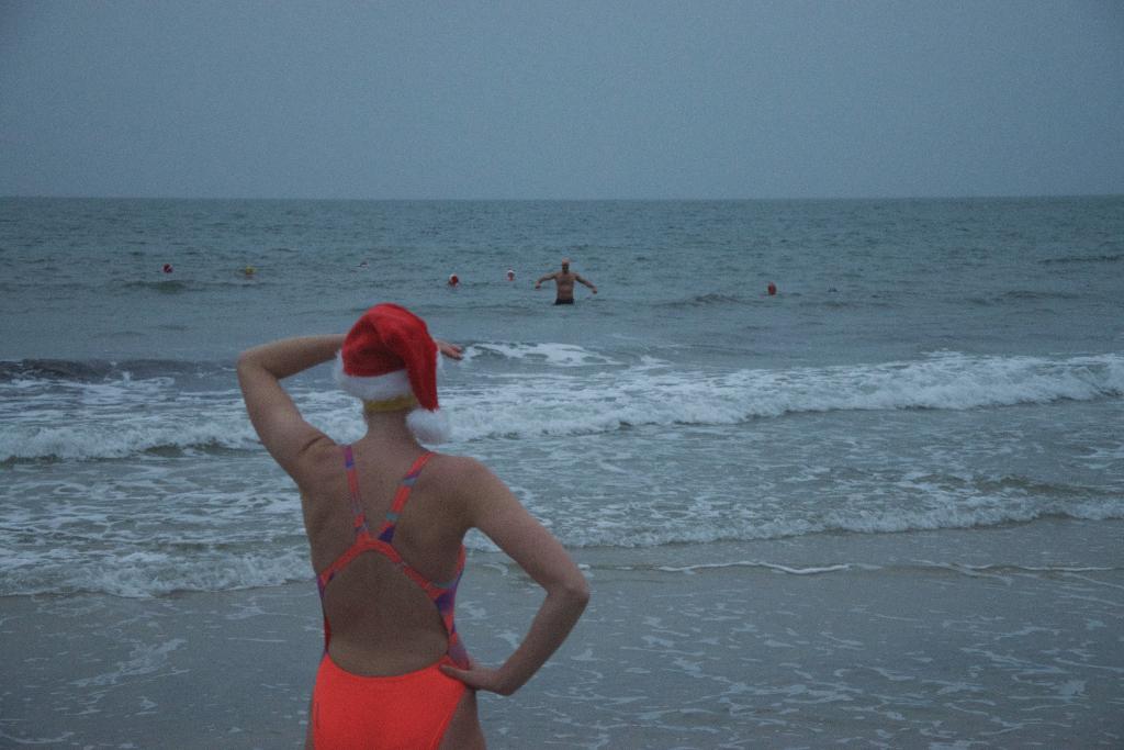 SwimQuest Christmas Lifeguard