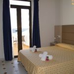 Standard Twin Room Roca Bella
